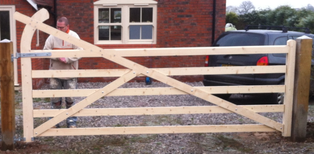 Arched Top 5 Bar Wooden Field Gate
