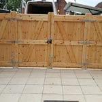 Bi folding Gates - Flat top