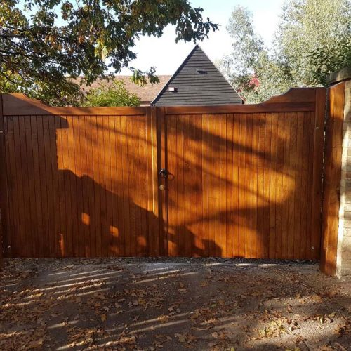 Driveway gates, Wooden Gates, Electric Gates, Entrance Gates, Hardwood gates, Bespoke Gates