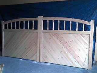 Bow Top Spindle Sliding Gates
