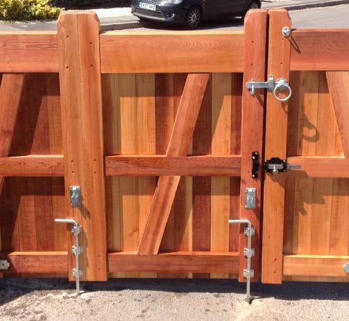 Bi folding Gates - Flat Top (3 sections)