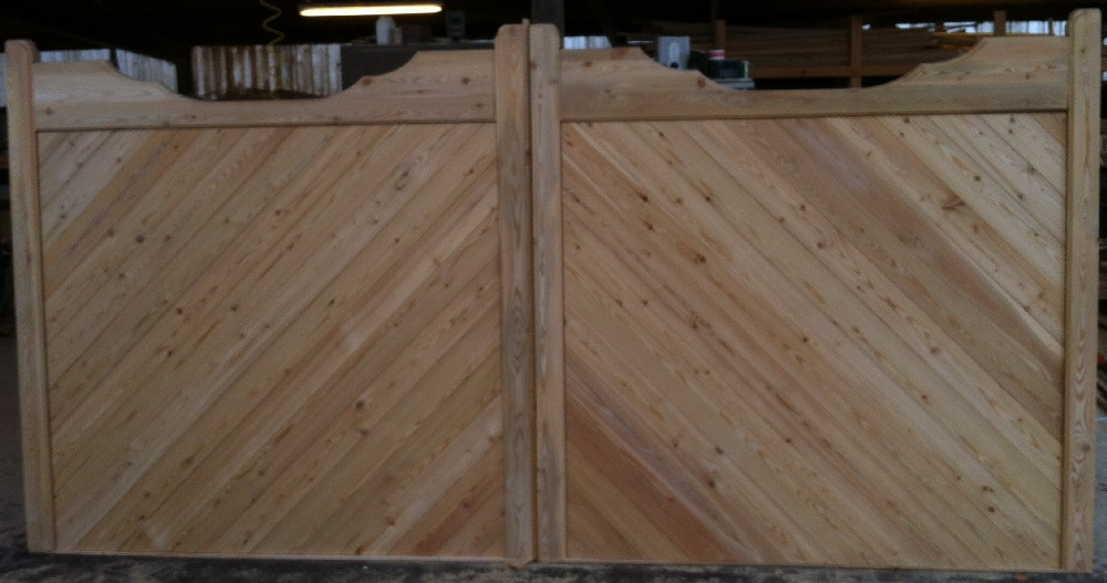 Double Gun Stock Wooden Driveway Gates