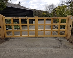 Flat Top Chunky Wooden Field Gate - DOUBLE