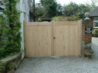 Flat Top Double Sliding Gates