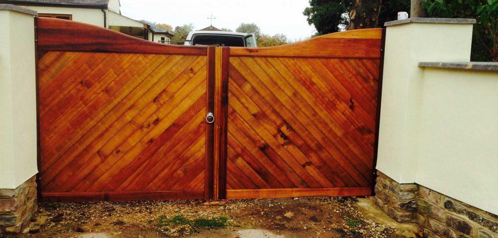 Swan Top Wooden Driveway Gates