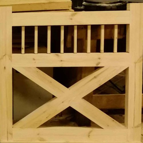 Flat Spindle Top X Wooden Side Gates