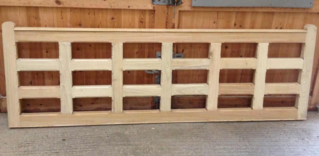 Flat Top Chunky Wooden Field Gate - SINGLE