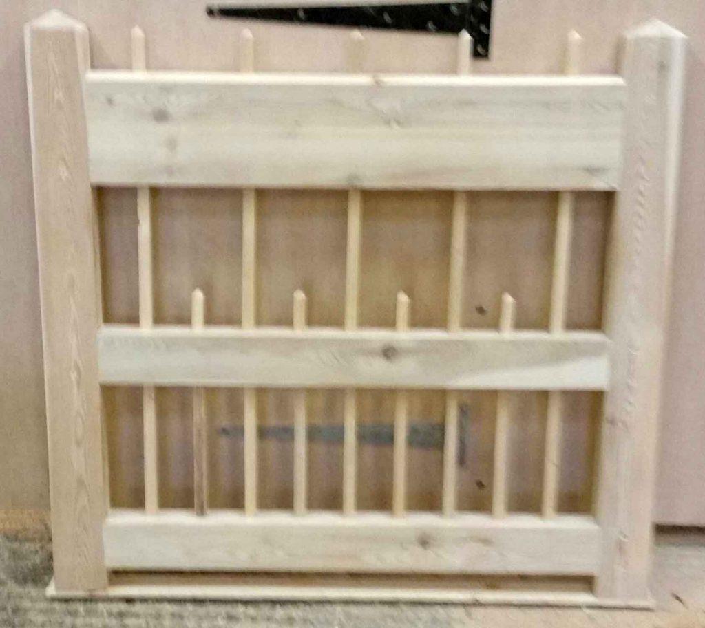Flat Spindle Top Spindle Bottom Wooden Side Gates