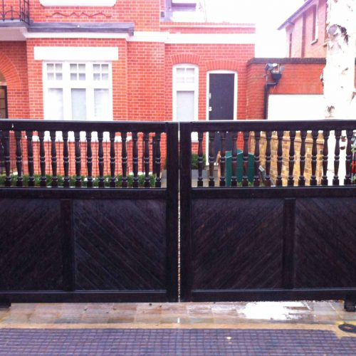 Flat Top Baluster Spindle Sliding Gates