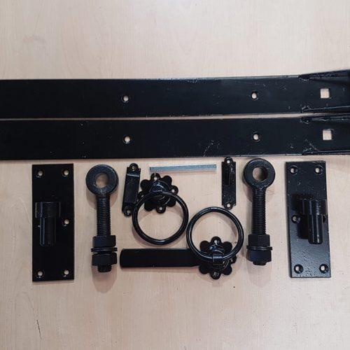Medium Black Single FK5
