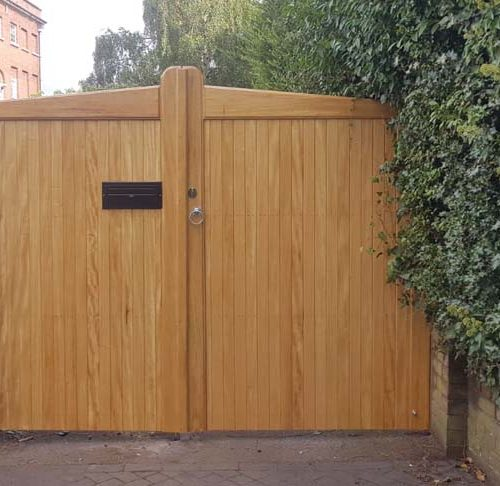 Driveway gates, Wooden Gates, Electric Gates, Entrance Gates, Hardwood gates, Bespoke Gates, Letterbox