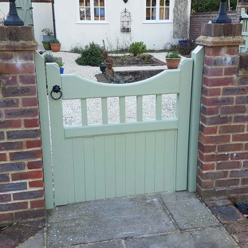 Driveway gates, Wooden Gates, Electric Gates, Entrance Gates, Hardwood gates, Bespoke Gates, Side gates, Garden gates