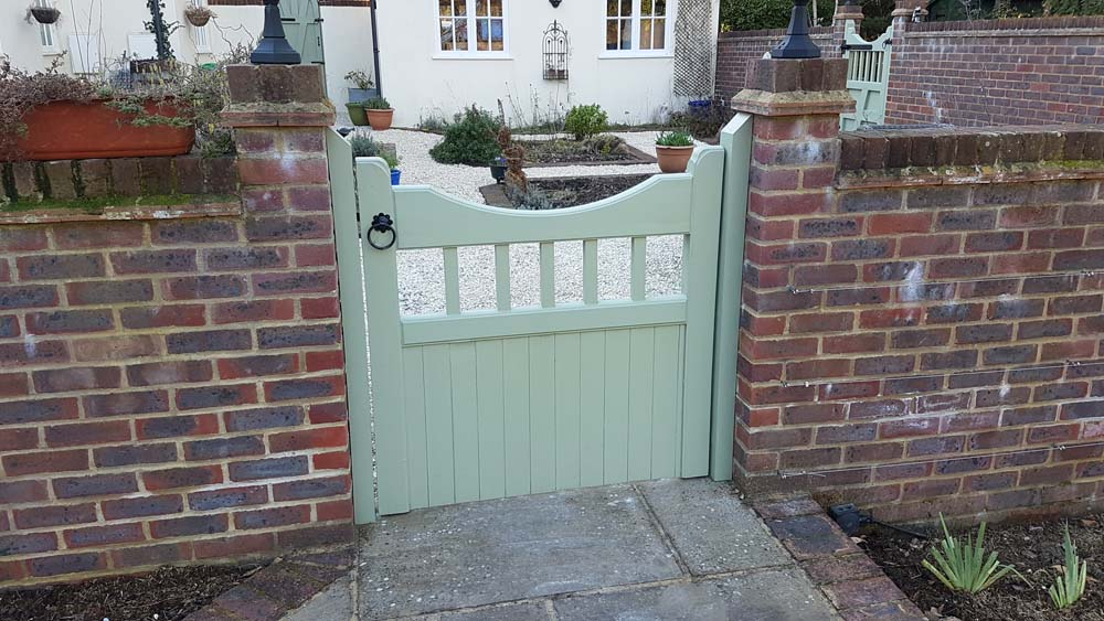 Driveway gates, Wooden Gates, Electric Gates, Entrance Gates, Hardwood gates, Bespoke Gates, Side gates, Garden gates