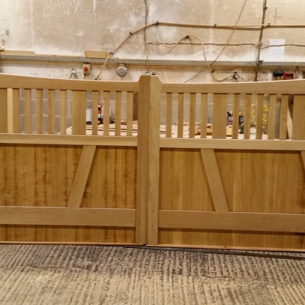 Hardwood Oak Gates with bespoke top and spindles