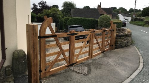 Bifold Arch top field gates (2)