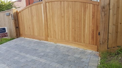 Driveway gates, Wooden Gates, Electric Gates, Entrance Gates, Hardwood gates, Sliding gates